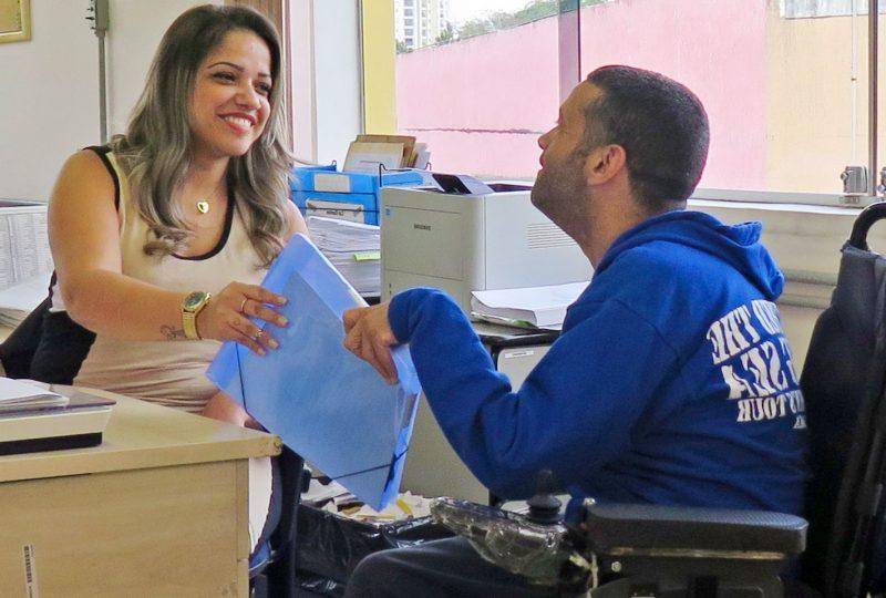 Trabalho inclusivo oferece direito à autonomia para pessoas com deficiências