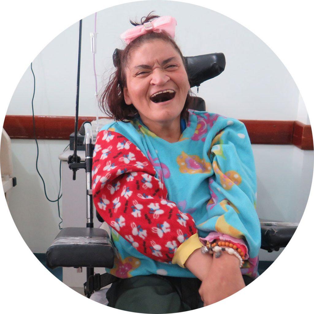Livro Nosso Olhar escrito pelas pacientes das Casas André Luiz - Atendimento Especializado e Gratuito à pessoa com Deficiência - Claudia