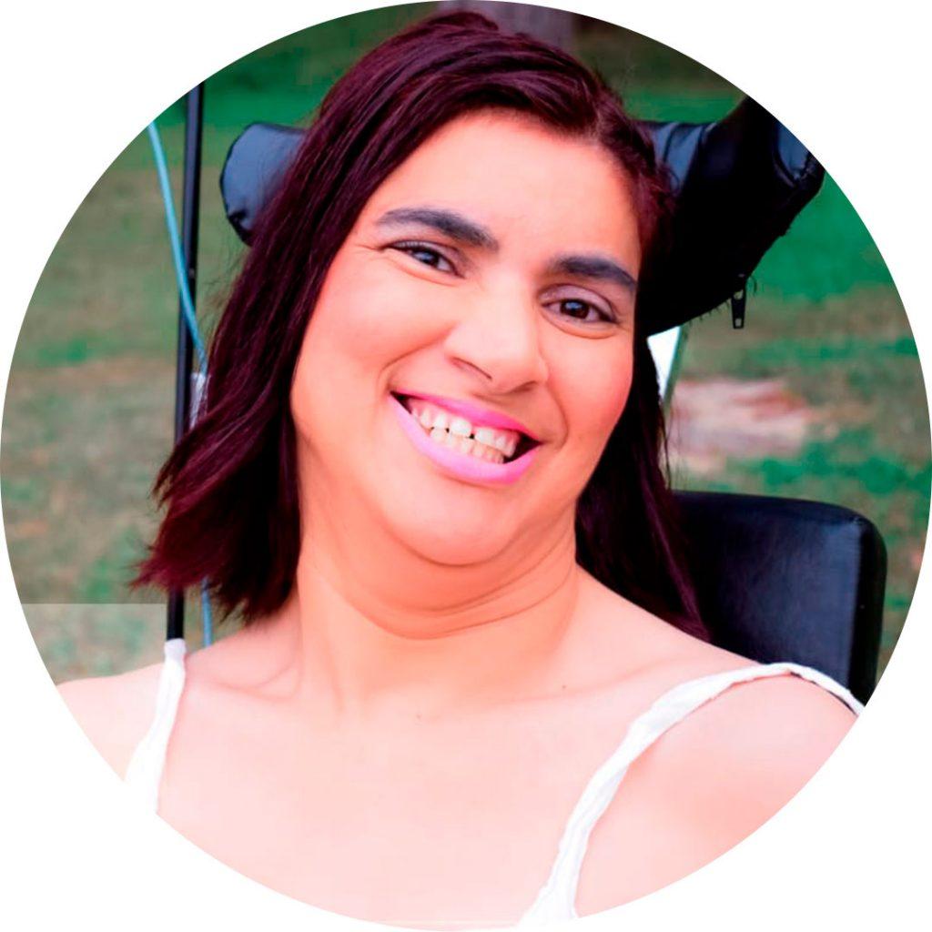 Livro Nosso Olhar escrito pelas pacientes das Casas André Luiz - Atendimento Especializado e Gratuito à pessoa com Deficiência - Edna