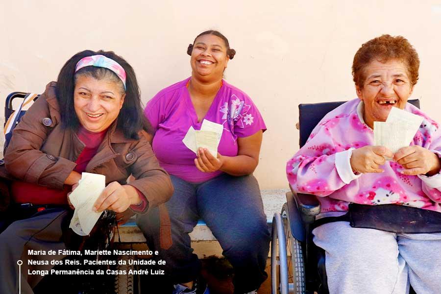 Pacientes da Casas André Luiz seguram Nota Fiscal Paulista sem CPF ou CNPJ