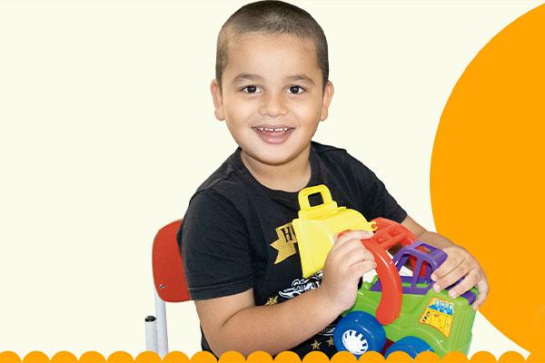 Doe brinquedos às crianças com deficiências atendidas pela Casas André Luiz